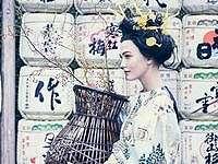 Karlie Kloss Minta Maaf Setelah Tampil ala Geisha di Vogue