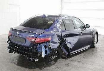 Sedan Alfa Romeo Bekas Kecelakaan Dijual Nyaris Rp700 Juta