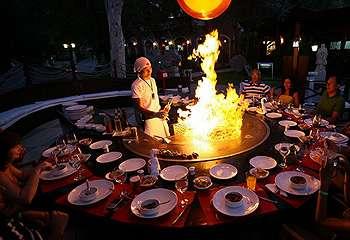 Begini Lho Tradisi Makan Teppanyaki di Jepang