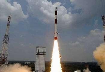 Hanya dengan Satu Roket, India Luncurkan 104 Satelit