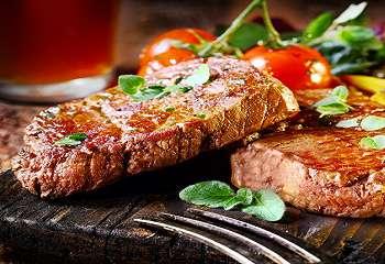 TOP FOOD 1: Kocak, Ini Trik Konyol Masak Steak ala Anak Kost