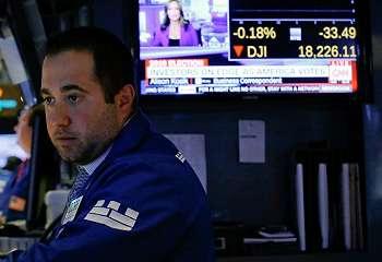 Wall Street Naik Tipis Jelang Musim Laba Emiten